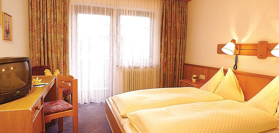 Sonnblick Hotel, Hinterglemm, Austria - standard twin.jpg